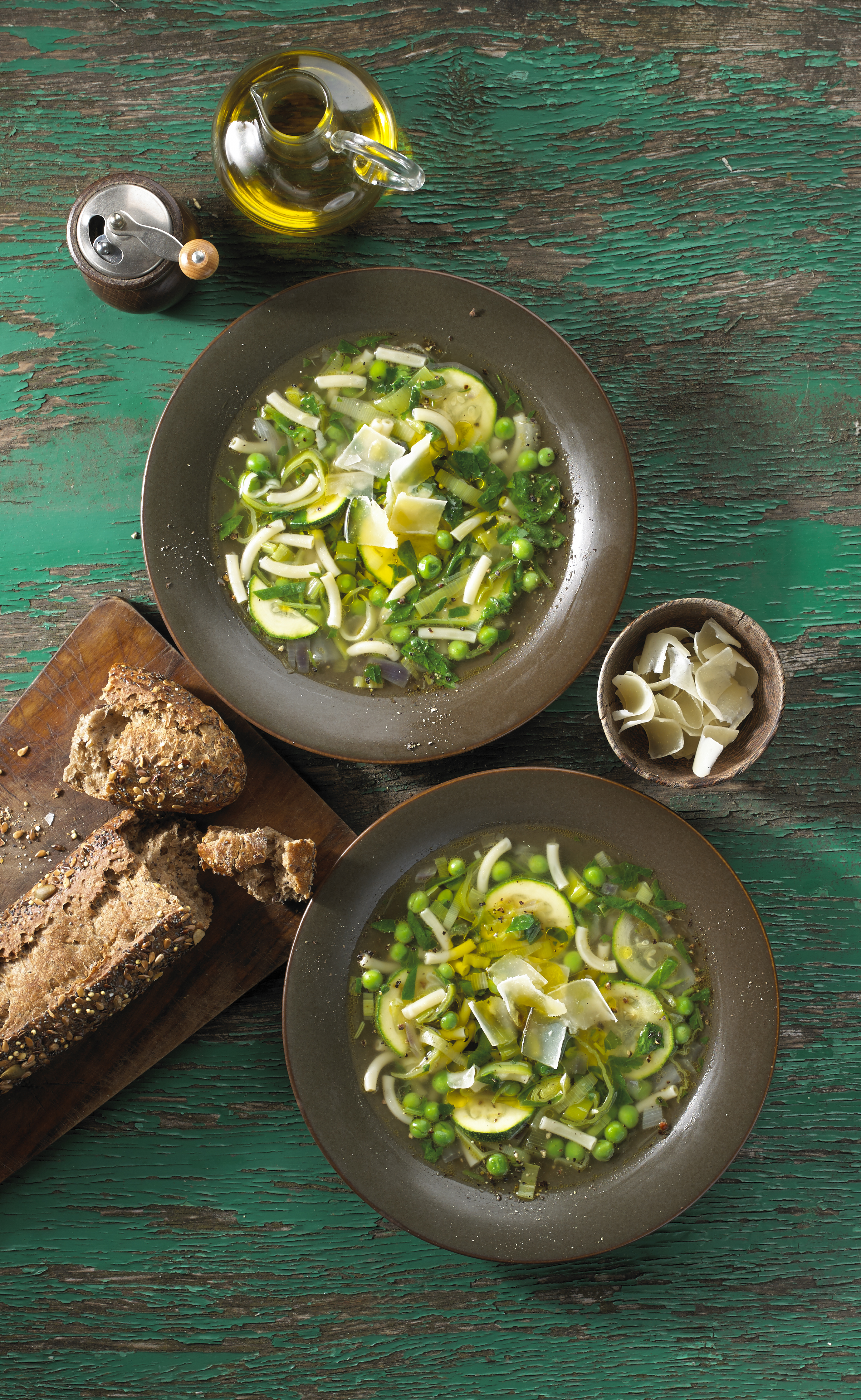 green minestrone soup