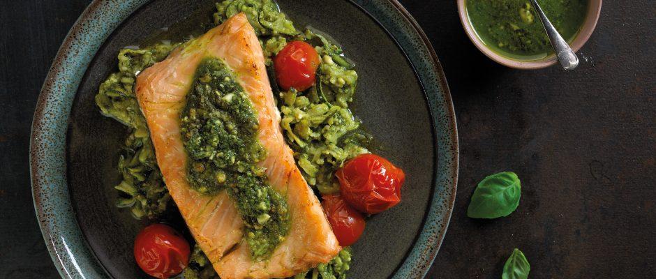 Saumon rôti aux légumes au pesto