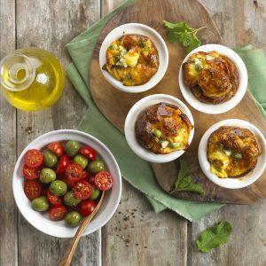 Muffins (Molletes) de guisantes frescos, menta y queso feta