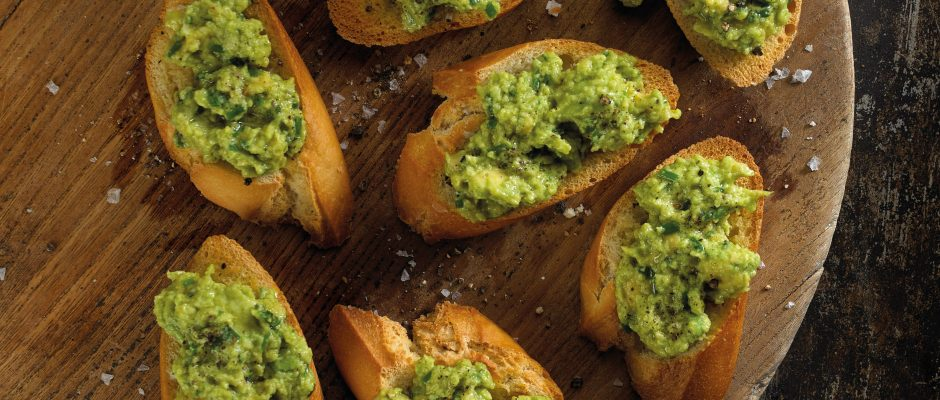 Creamy Avocado Crostini