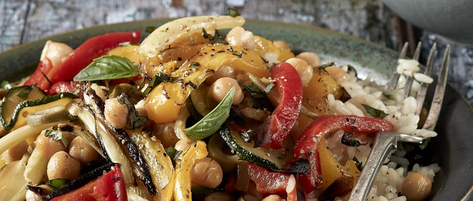 Chargrilled peppers with fennel, zucchini and chickpeas